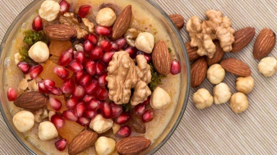 Aşure nasıl yapılır? İşte geleneksel lezzet kolay aşure tarifi…