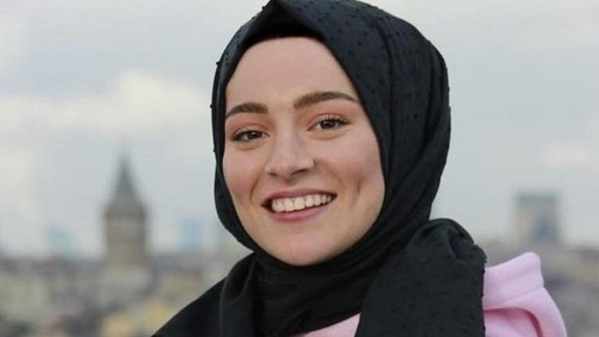 Betül Demirkaya kimdir, kaç yaşındadır? Betizmm sosyal medyada gündem oldu