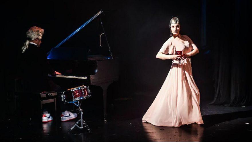 Fadik Sevin Atasoy'un oyunu 'Muse-Bir Esin Perisi Davası' İstanbul'da