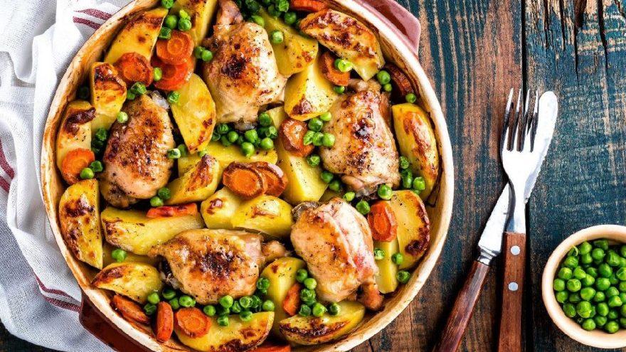 Fırında sebzeli tavuk tarifi: Pratik ve nefis lezzet fırında tavuk nasıl yapılır?