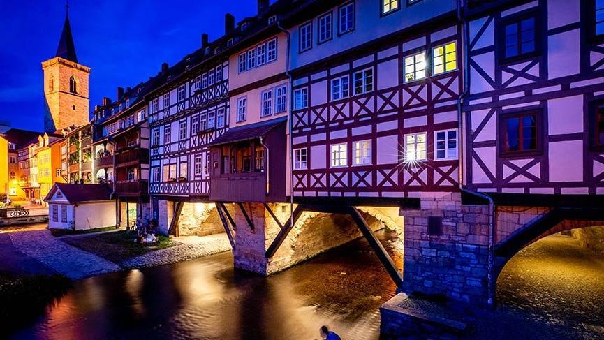 Avrupa'da üzerinde binaların olduğu en uzun köprü