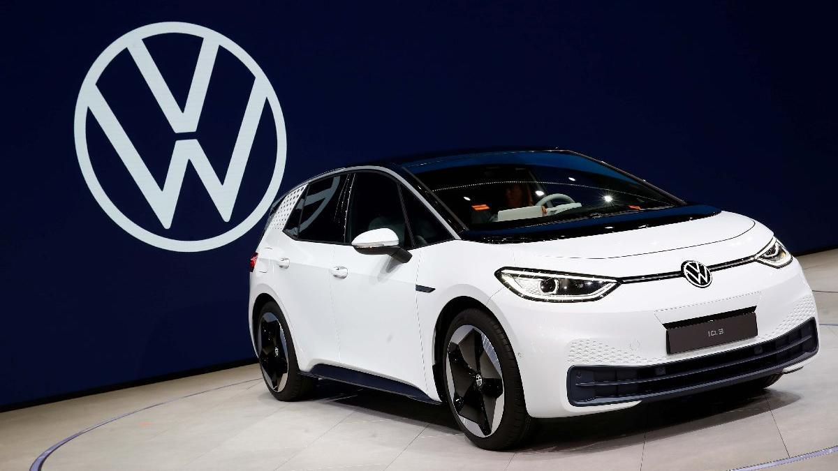 VW kompakt sınıftaki elektrikli otomobilini tanıttı!