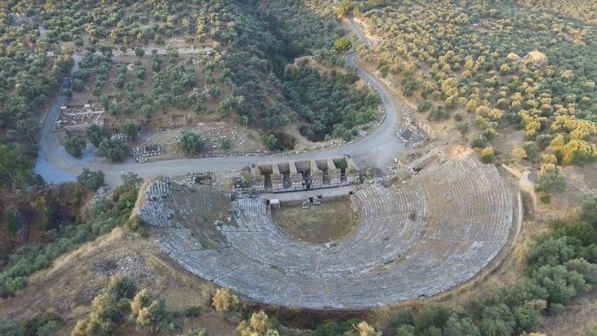 Nysa antik şehirinin anne caddesi kazı çalışmalarıyla alana çıkarılacak