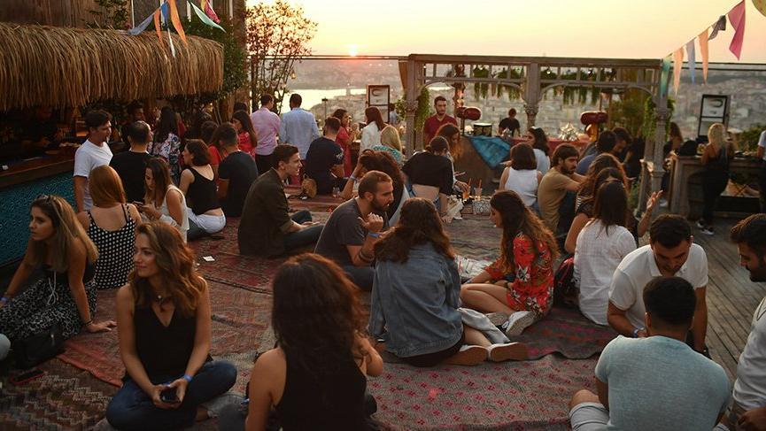 İstanbul Rooftop Festival'i binlerce kişiyi ağırladı
