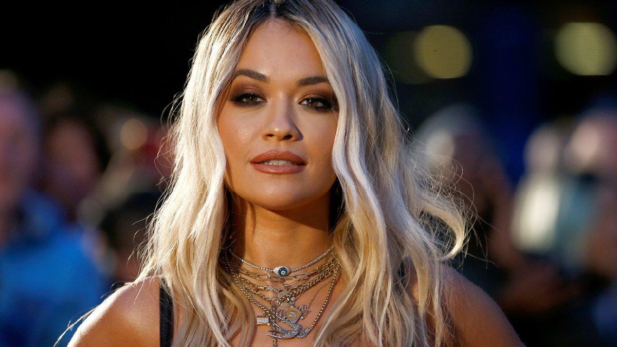 Rita Ora Bodrum'dan paylaştığı seksi fotoğrafla dikkat çekiyor