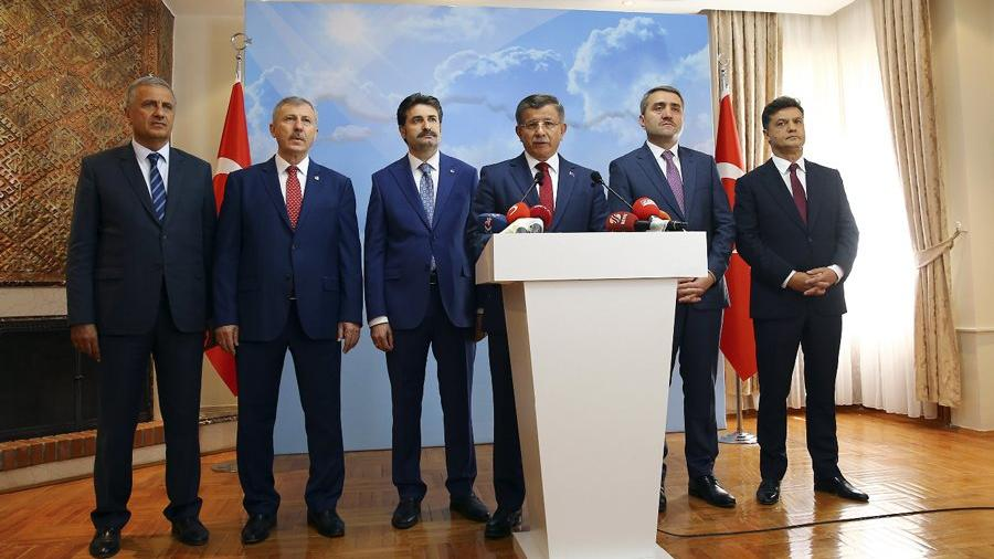 Ahmet Davutoğlu AKP'den istifa etti!
