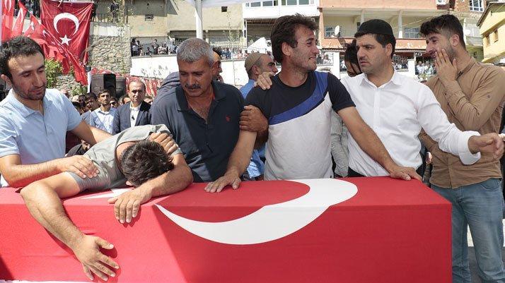 Diyarbakır şehitleri son yolculuklarına uğurlandı