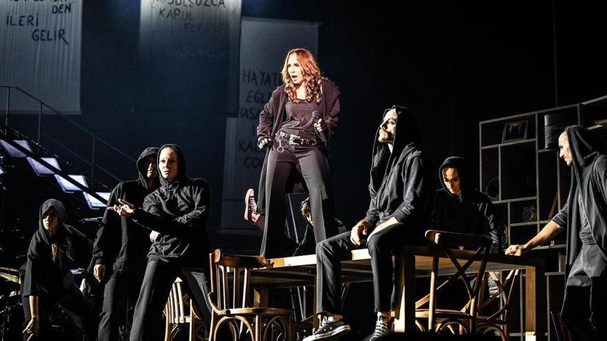 Sertab Erener yeni sezonda müzikaliyle Zorlu PSM'de