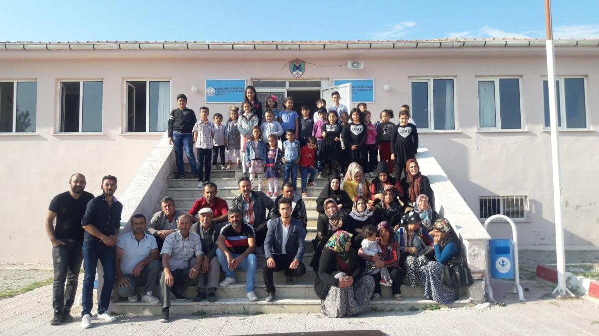 Tarikat köyü okuluna karşı zafer çocukların!