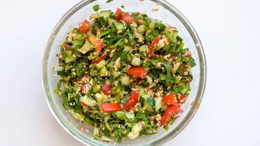 Gavurdağ salatası nasıl yapılır? İşte gavurdağ salatası ve püf noktaları…