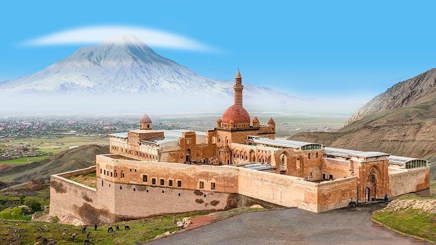 Ülkemizin en ünlü tarihi kale ve sarayları