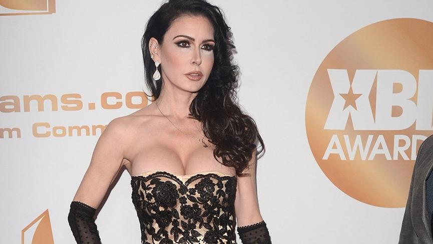 Ünlü erotik film oyuncusu evinde ölü bulundu