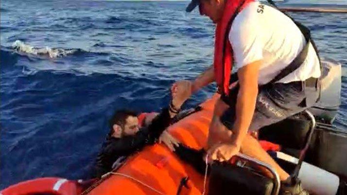 Muğla'da 15 göçmen kurtarıldı: Bir bebek aranıyor