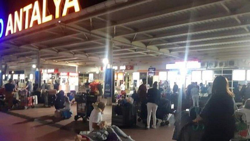 İngiliz turizm devi batıyor, turistler Türkiye'de mahsur kaldı