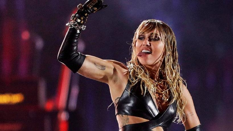 Miley Cyrus'u hamile bırakmak isteyen sapık hayran Las Vegas'ta yakalandı
