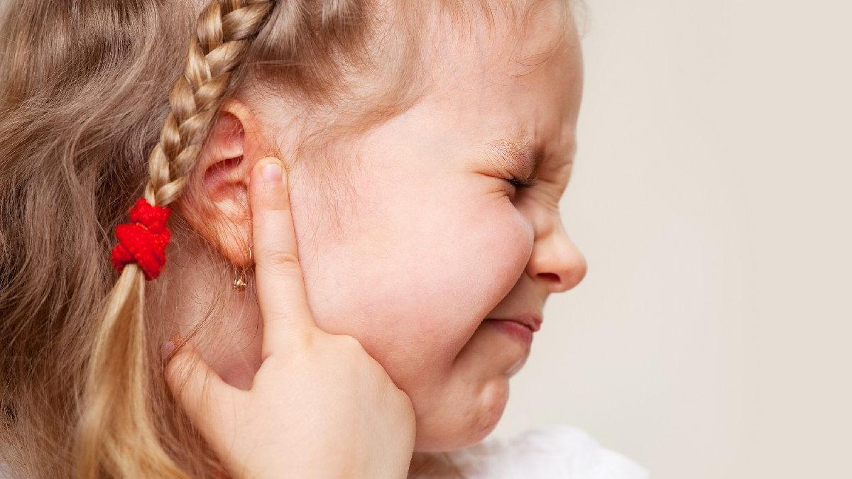 Çocuklarda kulak ağrısı neden olur?