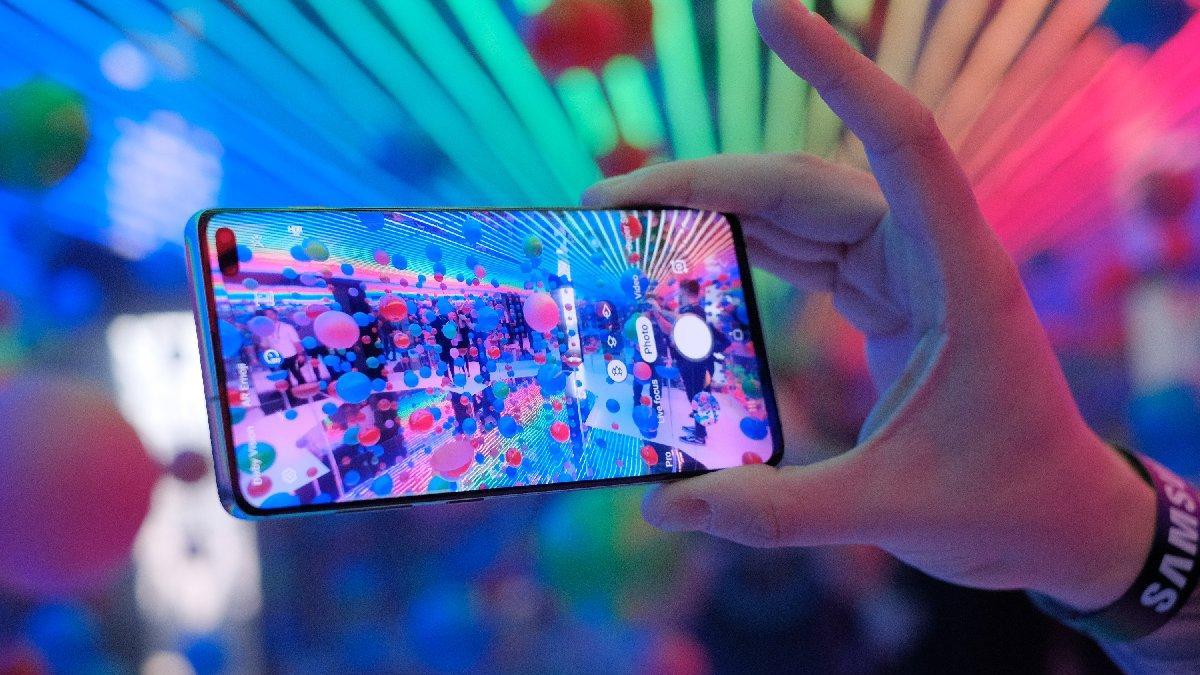 Samsung Galaxy S10 serisine kamera güncellemesi geldi