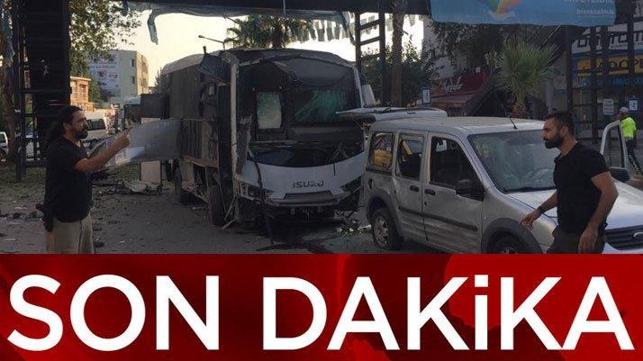 Son dakika: Adana'da polis servisine bombalı saldırı!
