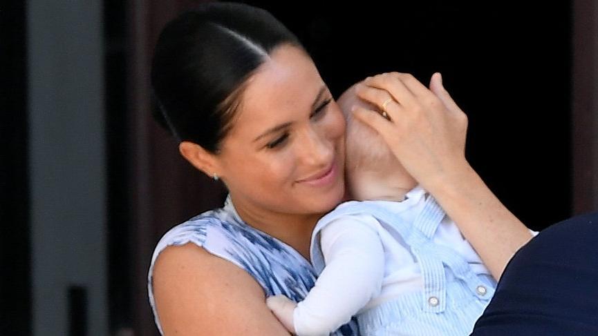 Prens Archie evvel resmi turuna çıktı