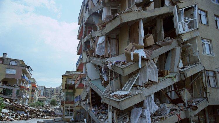 Sayıştay raporları 99 Depremi'nden kayıp parayı ortaya çıkardı