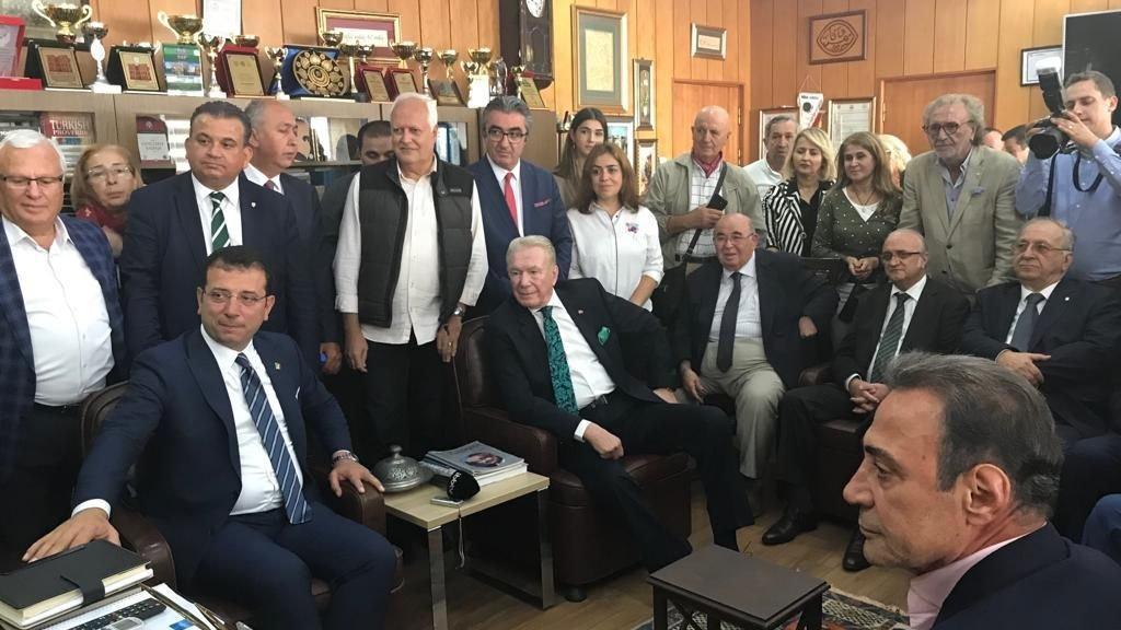 İBB Başkanı Ekrem İmamoğlu Vefa Lisesi'ni ziyaret etti