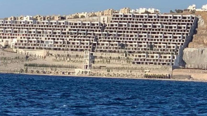O projedeki 54 villa yıkılıyor