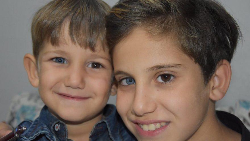 Dünyaya iki farklı göz rengiyle bakan kardeşler şaşırtıyor