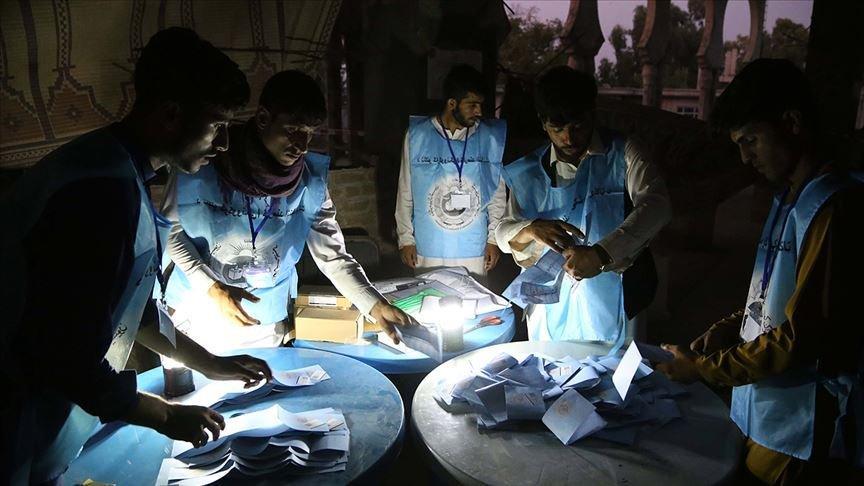 Taliban seçim gözlemcilerini kaçırdı!