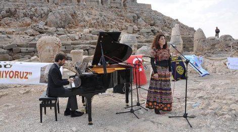 Nemrut zirvesinde engelliler için özel konser