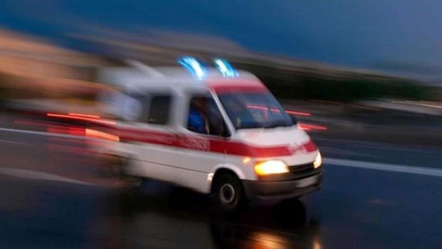 Kaçak göçmenleri taşıyan minibüs kaza yaptı! Bir ölü, 4'ü ağır 12 kişi yaralı