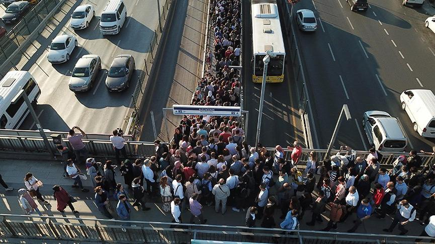 İBB, metrobüs için özür dileyip ve çözümü açıkladı