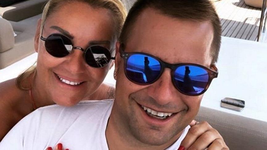 Pınar Altuğ'un fotoğrafına: Zaten kocan kısa sende o kadar topuk…