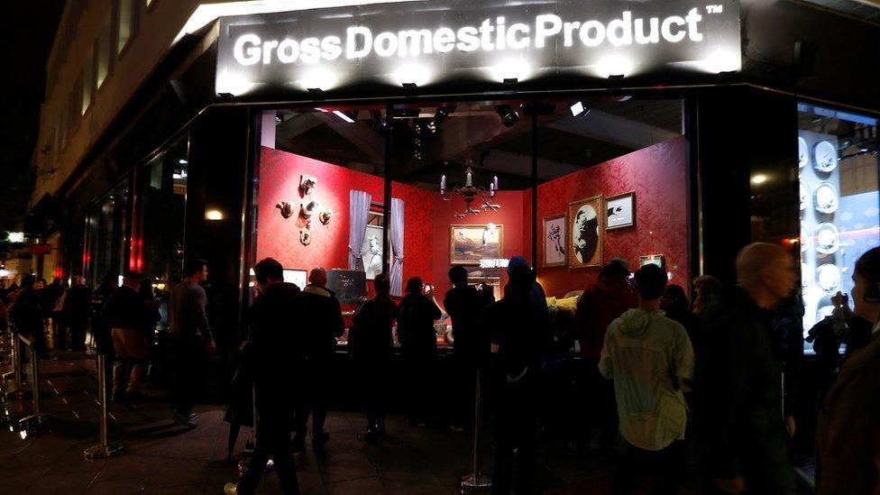 Banksy emek hırsızı şirkete karşı girilmeyen dükkan açtı