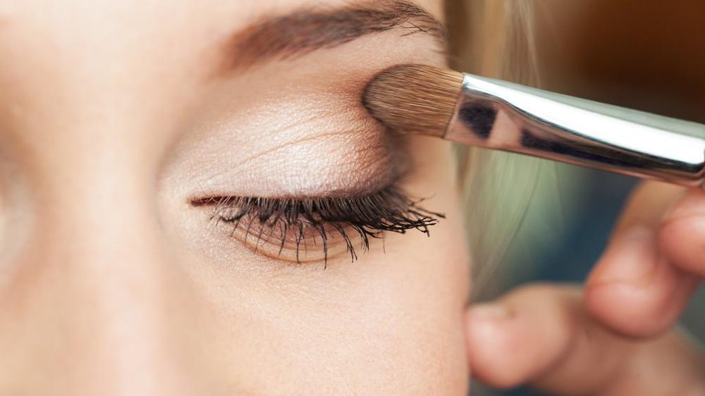 Kahverengi gözler için makyaj tüyoları…