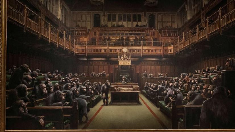 Banksy'nin parlamentoda şempanzeler tablosuna rekor fiyat!