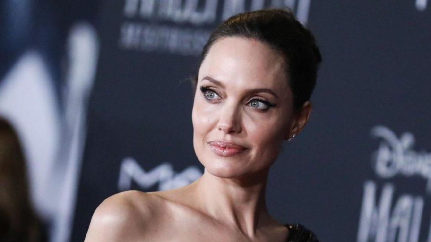 "Angelina Jolie'den samimi itiraf: ""Kendimi tanıyamadım"""
