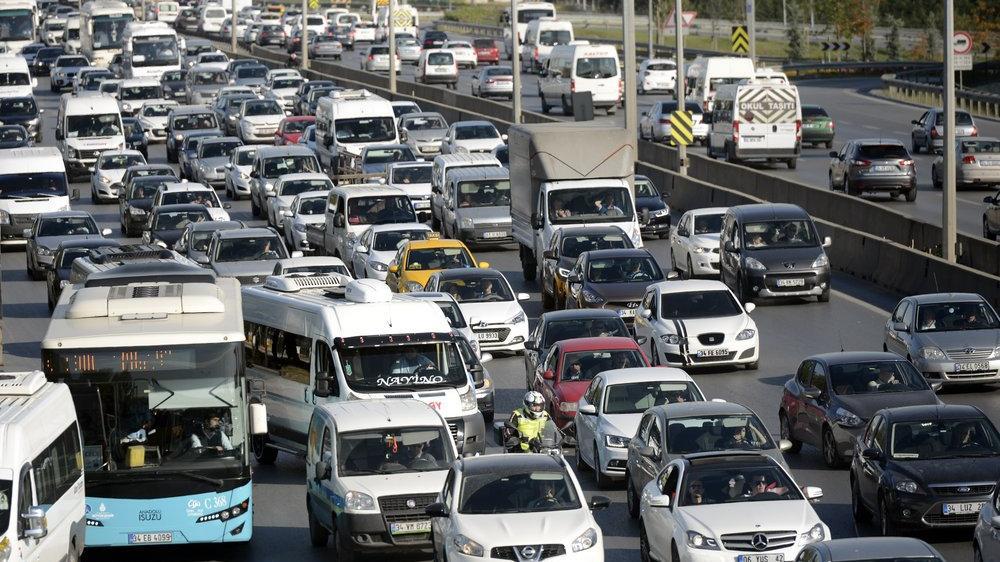 Trafiğe kaydı yapılan araç sayısı yüzde 42,2 azaldı