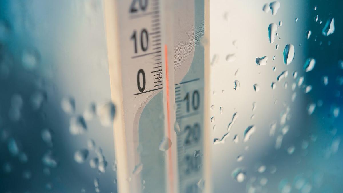 İstanbul sağanak yağışa teslim! Meteoroloji uyardı: sıcaklık 6-10 derece düşüyor...