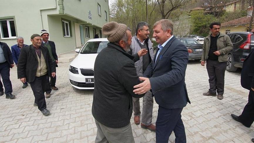 Makam araçlarını azaltalım diyen MHP'li başkandan VİP araç ihalesi!