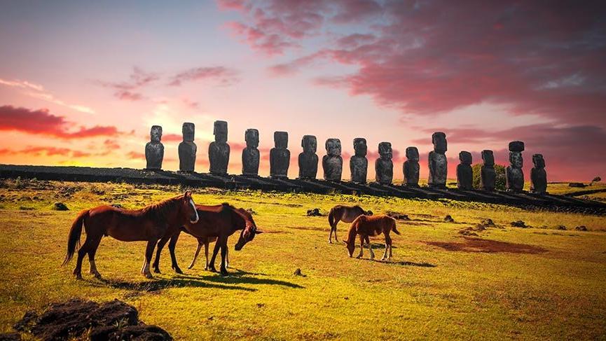 Paskalya Adası'nın sırrı çözülemeyen heykelleri