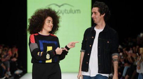 Dilan Çıtak Tatlıses Murat Aytulum defilesine çıktı