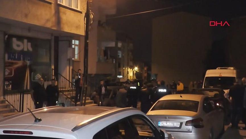 Baba ve oğluna evin önünde saldırdılar!