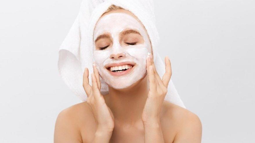 Yüz temizleyici maske nasıl yapılır? İşte püf noktaları…