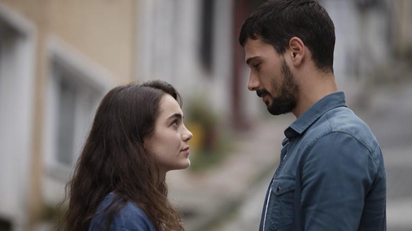 Aşk Ağlatır oyuncu kadrosu: Aşk Ağlatır dizisi oyuncuları kimler, konusu ne?
