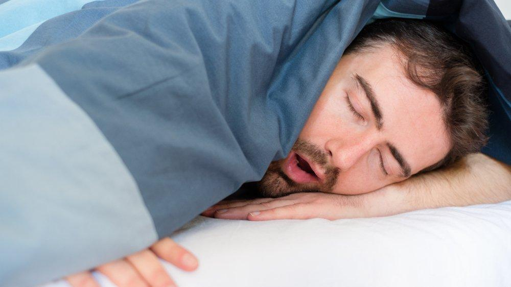 Ani ölümlere yol açabilir! Uyku apnesinin 3 belirtisi