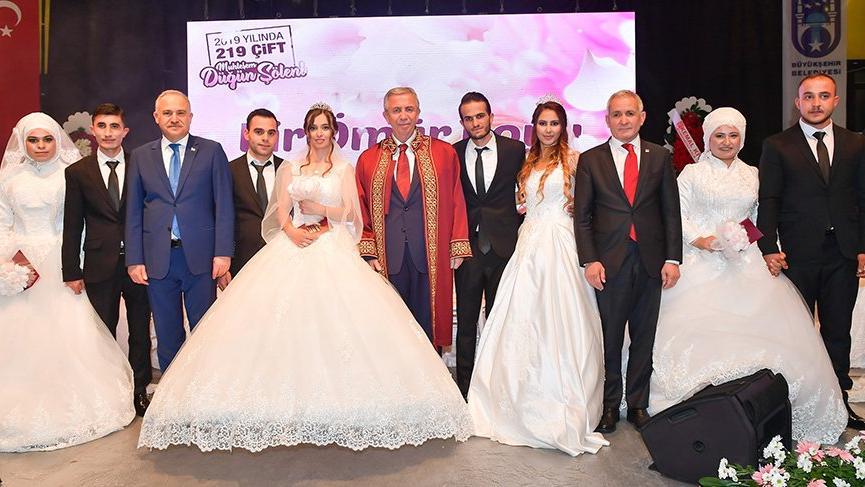 Başkan Yavaş 219 çiftin nikahını kıydı, konser ve eğlenceyi iptal etti