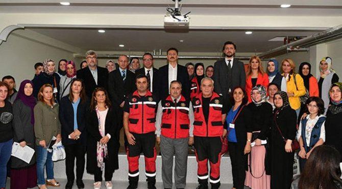 İstanbul'da annelere deprem eğitimi verildi!