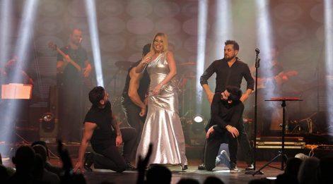 Şarkıcı Linet'ten dans şov