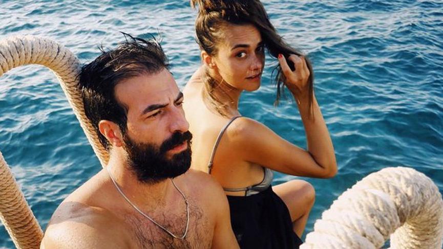 Hande Soral ve İsmail Demirci evliliklerindeki ikinci yılı kutladı