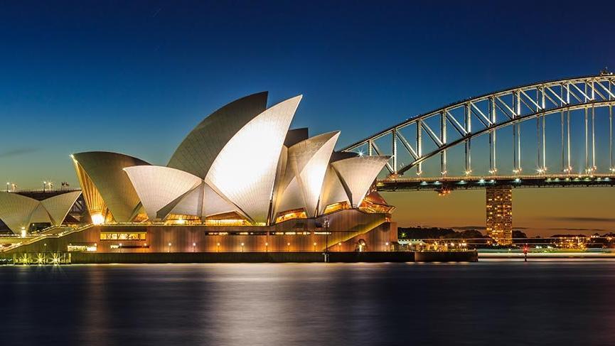 Avustralya'nın sembolü Sidney Opera Binası
